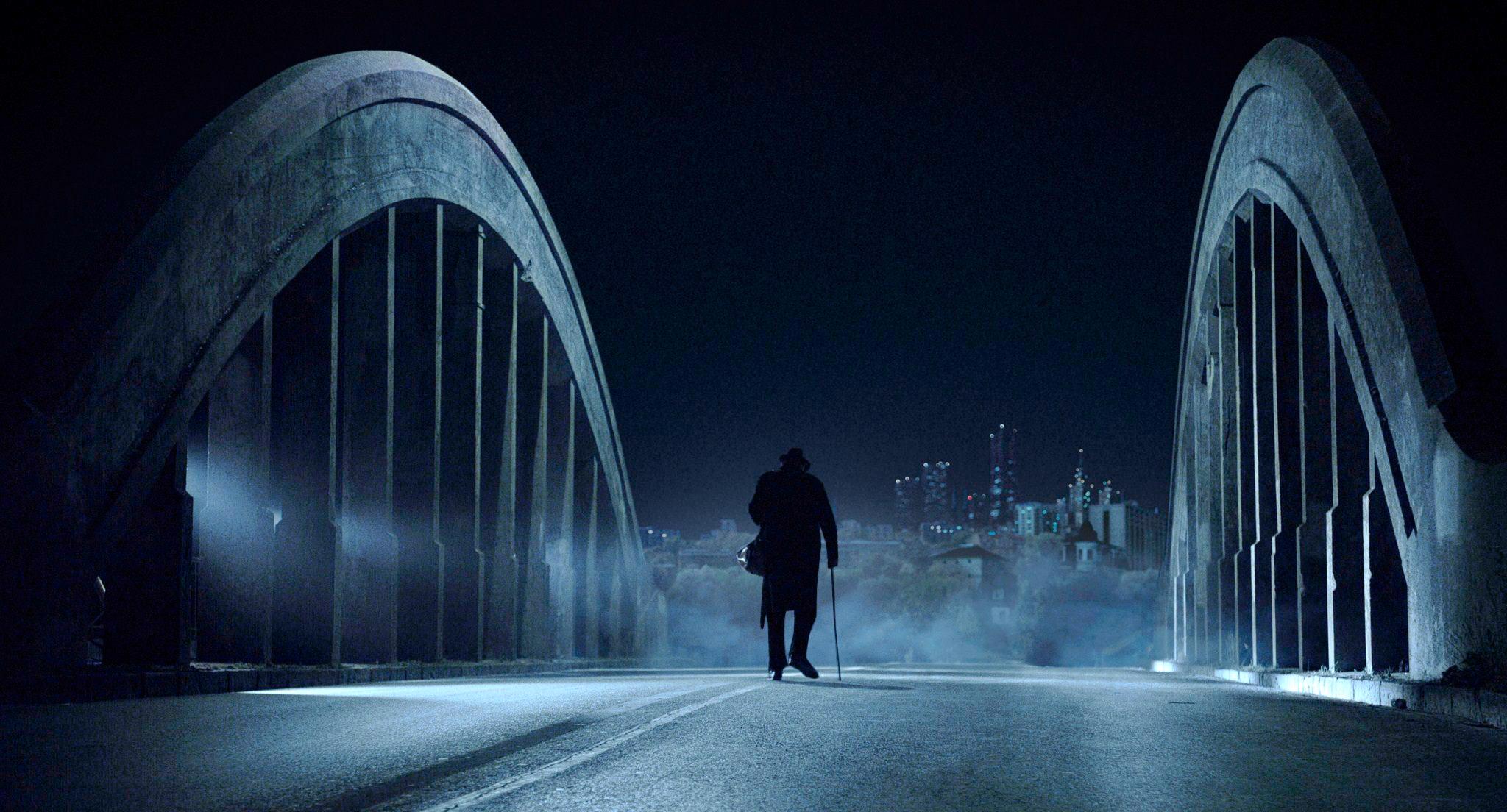 La Ville est calme - pont